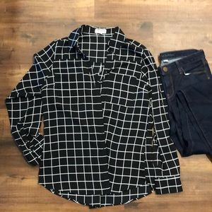 Express black and white button up top